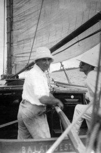 Dr. D.A. Rinkes in 1920, de tijd, waarin hij de Kon. Bataviasche Jacht Club vooruit wist te brengen.